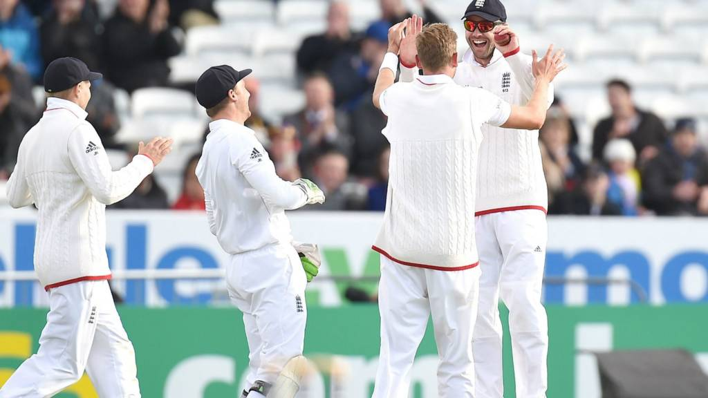 James Anderson catches to take the wicket of Luke Ronchi