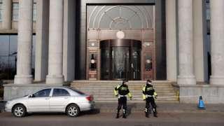 周五上午,斯帕弗案在丹东市中级人民法院开庭审理。