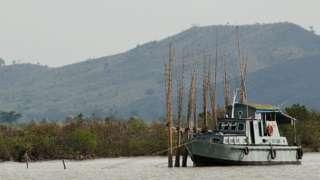 কালাদান নদীতে মিয়ানমার নৌবাহিনীর একটি যুদ্ধযান