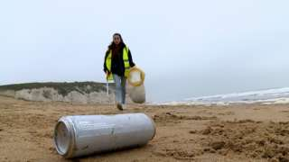 Beach cleaning on Botany Bay