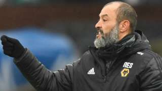 Wolves boss Nuno Espirito Santo reacts during his side's defeat to Crystal Palace