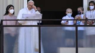 Papa ku rubaraza yari kumwe n'abana barwariye muri ivyo bitaro