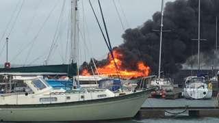 Boat fire at Ryde
