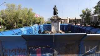 墨西哥的哥倫布雕像