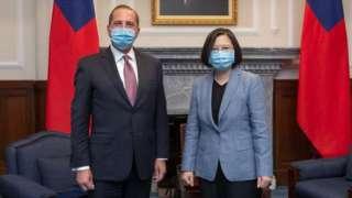 """阿札尔说,""""台湾的防疫成就,彰显了台湾这个社会与文化中的透明公开,还有民主价值。"""""""