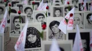 အီရန်အရေးလှုပ်ရှားတက်ကြွသူတွေက သတ်ဖြတ်ခံရသူတွေ အတွက် အောက်မေ့ဘွယ်အခမ်းအနားကို ပဲရစ်မှာ ၂၀၁၉ တုန်းကပြုလုပ်ခဲ့စဉ်