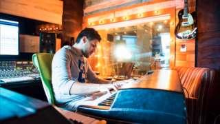 Compositor e empresário Dudu Borges