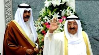 بعد از درگذشت شیخ احمد صباح (راست) برادر او شیخ نواف صباح به عنوان امیر جدید معرفی شد