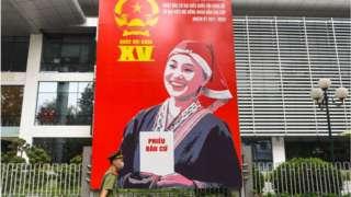 Hình ảnh cổ động bầu cử trên đường phố Hà Nội