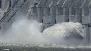 Chính phủ Trung Quốc cùng thừa nhận đập Tam Hiệp đã xả lũ lần đầu tiên trong năm nay, giữa bối cảnh có nhiều lo ngại về khả năng vỡ đập.