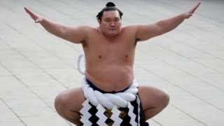 몽골 출신 하쿠호는 스모계 최고 선수로 꼽힌다