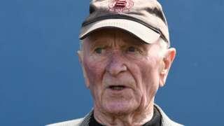 Harry Gregg, l'ancien gardien de but de Manchester United et de l'Irlande du Nord.