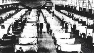 Pacientes com a gripe espanhola internados em enfermaria