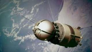 Свемирска летелица Восток захтевала је мало података од космонаута на броду, јер су њоме управљали контролори на земљи