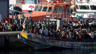 Migrants arrive in Tenerife