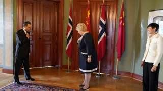 王毅一连数天访问挪威、法国、意大利等国。