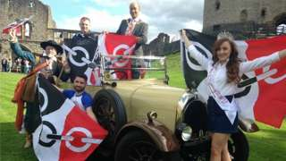 Front, Miss Black Country, Abigail Cutler, with Steve Edwards from the Black Country Festival, Adrian Durkin in costume. Back councillor Pete Lowe and councillor Mohammed Hanif