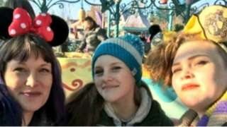 Sharna and her daughters