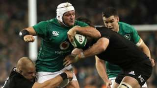 Rory Best takes on New Zealand