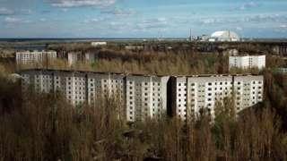 A cidade-fantasma de Pripyat, na Ucrânia, trinta anos após o desastre de Chernobyl