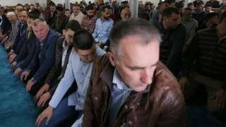 Јутарњом молитвом почела је прослава Рамазанског бајрама у Новом Пазару