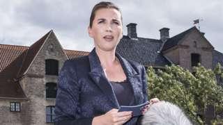 Mette Frederiksen memberi pernyataan pers