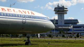 Уряд заборонив авіасполученн з Білоруссю