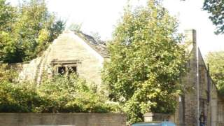 The Old Manor House in Manningham