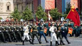 《環球時報 》 在今年中國軍隊參加俄羅斯勝利閲兵後發表評論文章說,俄羅斯幫助中國建立反導預警系統能顯著提升中國的防衛能力