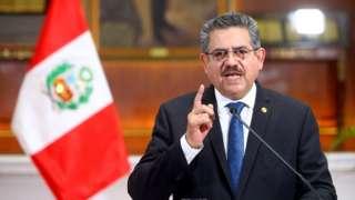 Manuel Merino presenta su renuncia el domingo 15 de noviembre.