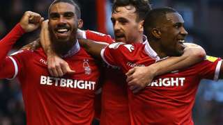 Nottingham Forest's Lewis Grabban (left) celebrates his second goal against Ipswich Town