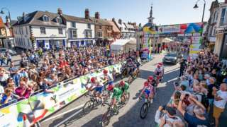 Crowds support the riders in Beverley