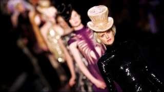 Stella Tennant at the Jean Paul Gaultier: Haute Couture Fall-Winter 2006-2007 fashion show in Paris