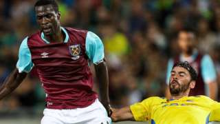 Pedro Obiang of West Ham is challenegd