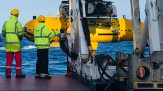 Robot submarine