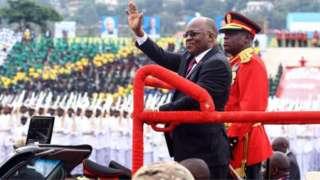 Perezida John Magufuli niwe yari arongoye ibirori vy'ukwibuka umunsi w'ukwikukira kw'ico gihugu