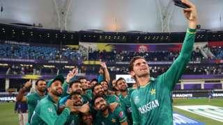 Pakistan players celebrate