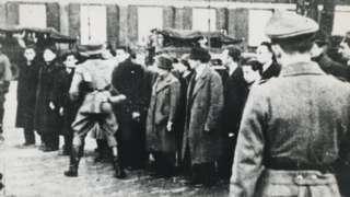 Dutch Jews were detained on the Jonas Daniël Meijerplein in Amsterdam on 21 February 2021
