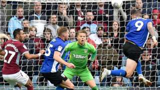 Sheffield Wednesday's Steven Fletcher scores