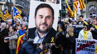 Catalan separatists with Junqueras placard in Barcelona, 16 Feb 19