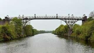 Warburton Toll Bridge