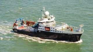대서양 중부를 가로지르는 미세플라스틱 탐사선