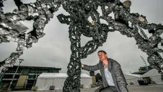 Luke Jerram's 'Inhale' diesel pollution sculpture