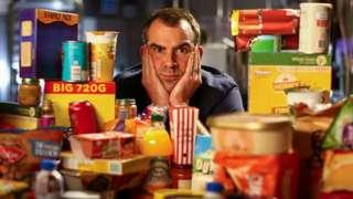 """Доктор Крис Ван Тулекен седи иза мноштва """"ултра-прерађене хране"""""""