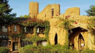 Tudor house in Burkina Faso
