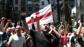 Противники шествия