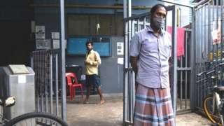 சிங்கப்பூரில் வாழும் புலம்பெயர் தொழிலாளர்கள் - கோப்புப் படம்