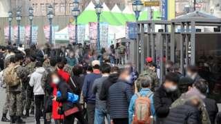 서울시 행정명령 시행 첫날인 17일 외국인 노동자 4139명이 검사를 받은 것으로 나타났다