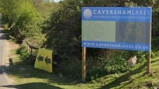 Caversham Lakes, Henley Road