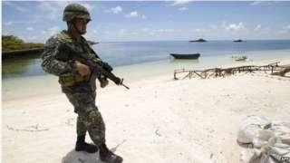 菲律賓在中業島上完成了建造海灘坡道的過程,計劃在向島上運送設備物資進行進一步擴建